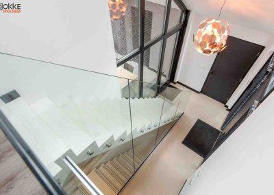 Project-glazen-wand-detail-trap-stalen-deuren-2
