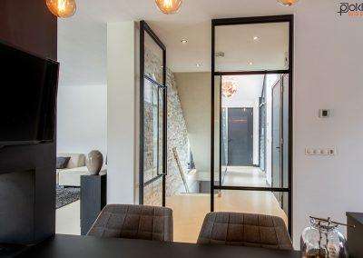 Project-glazenwand-stalen-deuren-dubbel-taats-1-open-1-dicht-detail-16